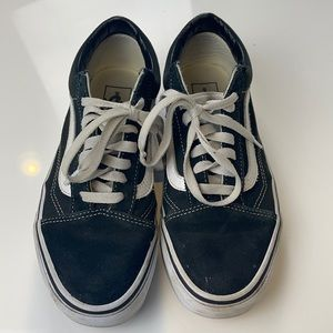 Vans Old Skool black and white classic shoe size 8